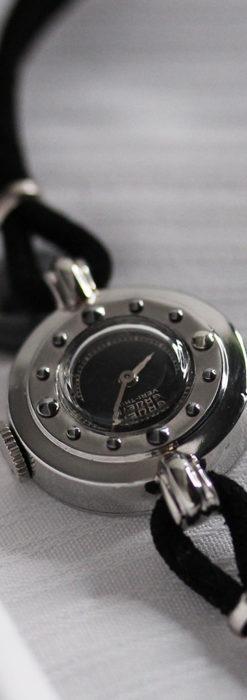 グリュエン 黒文字盤と鋲の個性的な女性用アンティーク腕時計 【1950年頃】-W1492-5