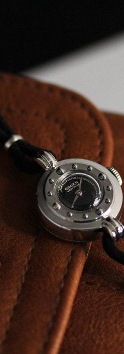 グリュエン 黒文字盤と鋲の個性的な女性用アンティーク腕時計 【1950年頃】-W1492-7