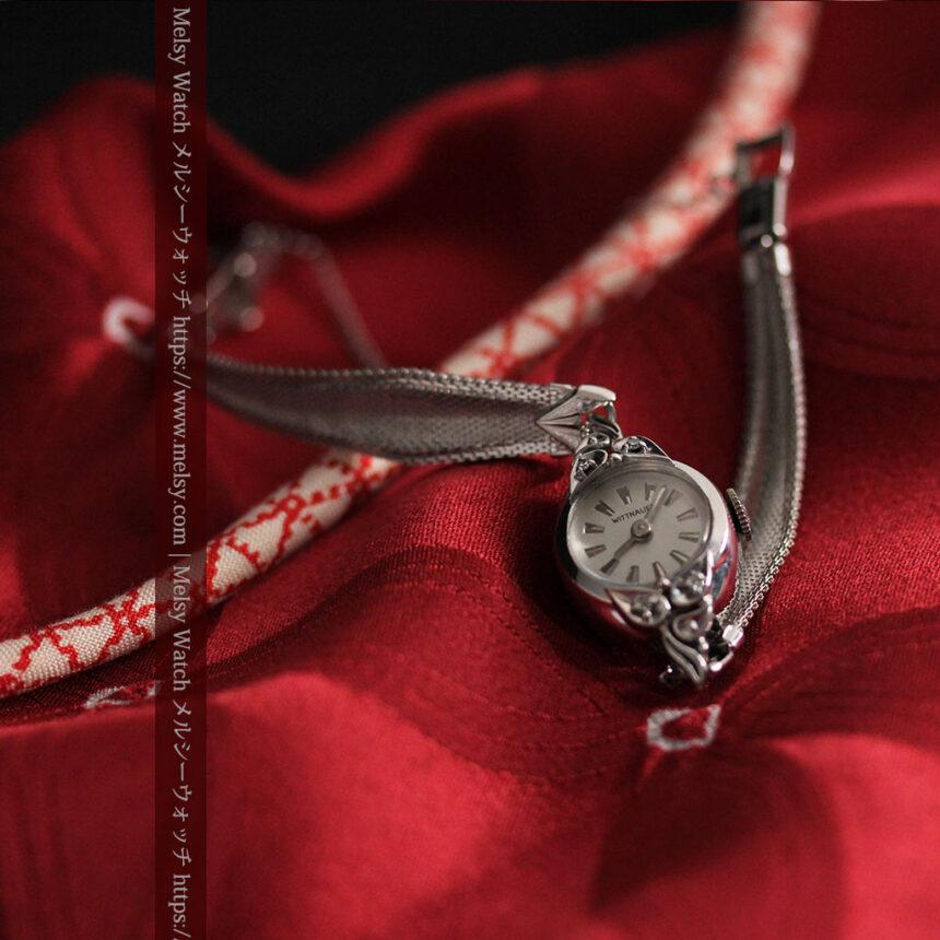 ウイットナーの艶やかな女性用アンティーク腕時計 【1950年頃】箱付き-W1497-5