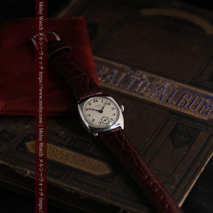 英国ベンソン 上品な騎士の彫りと銀無垢アンティーク腕時計 【1937年頃】-W1498-10