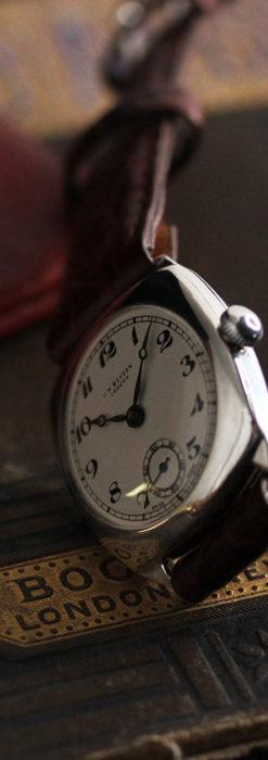 英国ベンソン 上品な騎士の彫りと銀無垢アンティーク腕時計 【1937年頃】-W1498-12