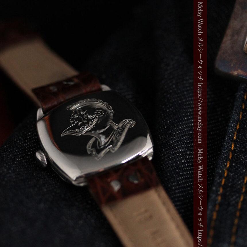 英国ベンソン 上品な騎士の彫りと銀無垢アンティーク腕時計 【1937年頃】-W1498-15