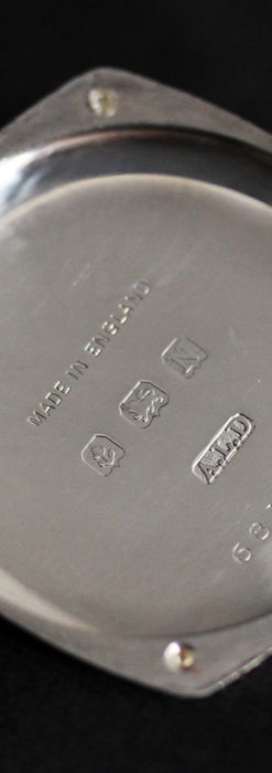 英国ベンソン 上品な騎士の彫りと銀無垢アンティーク腕時計 【1937年頃】-W1498-19