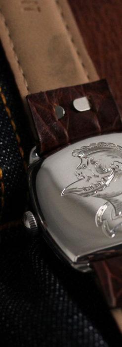英国ベンソン 上品な騎士の彫りと銀無垢アンティーク腕時計 【1937年頃】-W1498-2