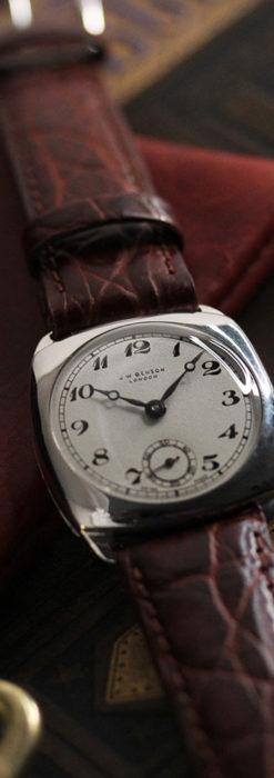 英国ベンソン 上品な騎士の彫りと銀無垢アンティーク腕時計 【1937年頃】-W1498-5