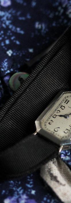 ロンジン 長八角形と布バンドの女性用アンティーク腕時計 【1926年製】-W1506-4