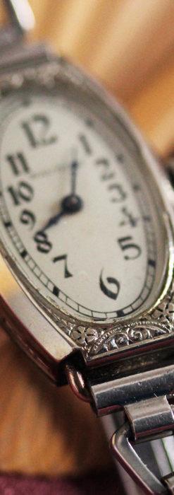 ウォルサムの上品な楕円形の女性用アンティーク腕時計 【1931年製】箱付き-W1507-10