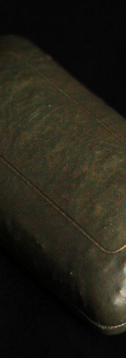 ウォルサムの上品な楕円形の女性用アンティーク腕時計 【1931年製】箱付き-W1507-18