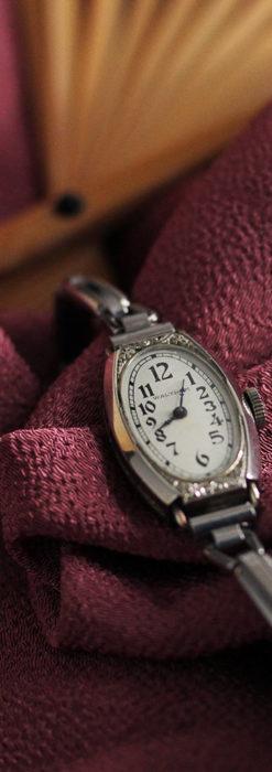 ウォルサムの上品な楕円形の女性用アンティーク腕時計 【1931年製】箱付き-W1507-3