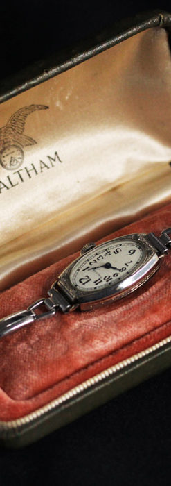 ウォルサムの上品な楕円形の女性用アンティーク腕時計 【1931年製】箱付き-W1507-4