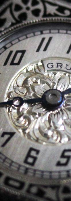グリュエン 彫りとエナメル装飾の美しい女性用アンティーク腕時計 【1920年頃】-W1511-1