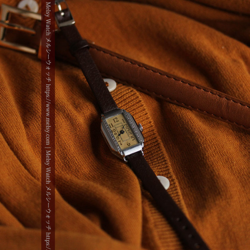 昭和初期の深みあるウォルサムの女性用アンティーク腕時計 【1934年製】箱付き-W1516-1