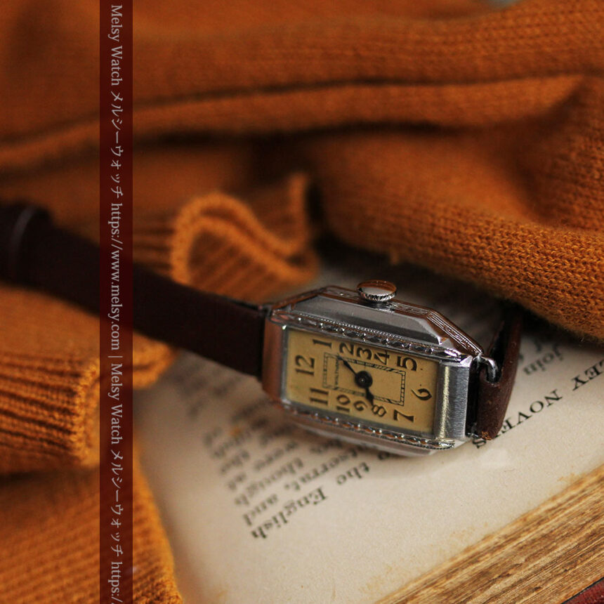 昭和初期の深みあるウォルサムの女性用アンティーク腕時計 【1934年製】箱付き-W1516-6