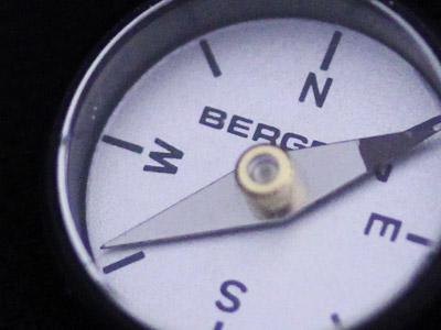 時計用の方位磁針