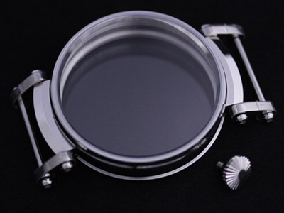 改造時計に使用されるケースの一例