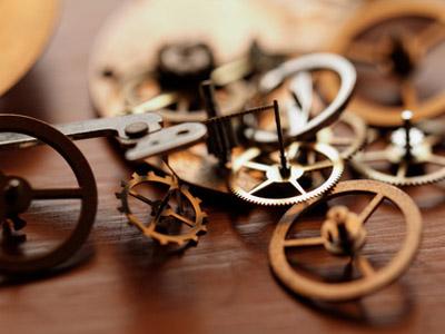 置き時計の歯車