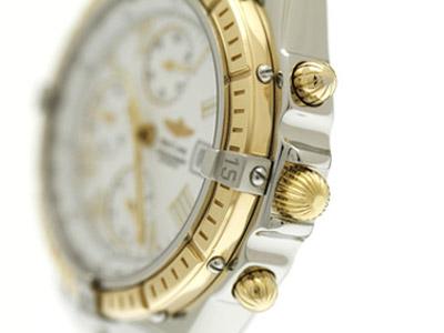 現代の新しい腕時計