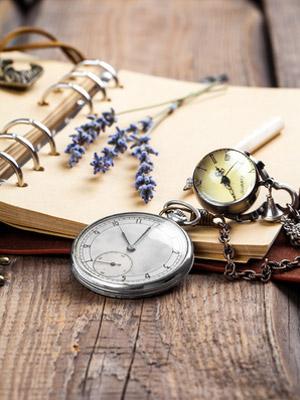 懐中時計とラベンダー