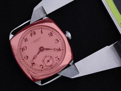腕時計本体の縦の長さの計測