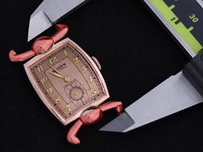 特殊な形のラグを含んだ腕時計の計測