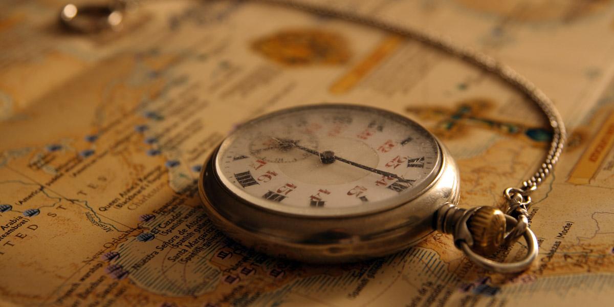 懐中時計と地図