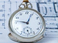 懐中時計と図面