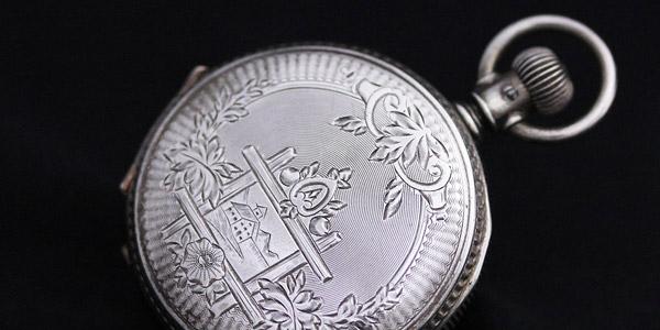 剣引き・レバー式の懐中時計