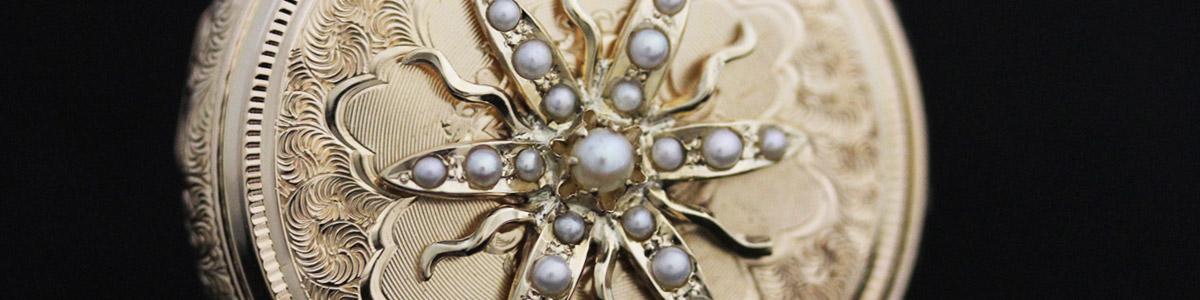 真珠を鏤めた懐中時計ケース